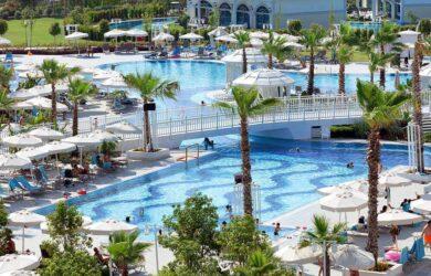 Sueno Deluxe Pools