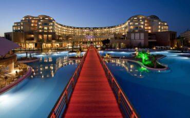 Kaya Palazzo by night
