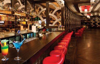 Moulin Rose Bar